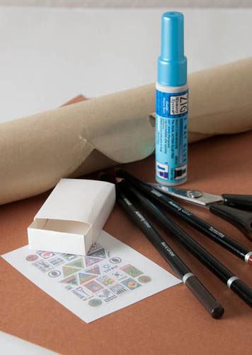 Manualidades con niños: Cajas de cerillas convertidas en maletas