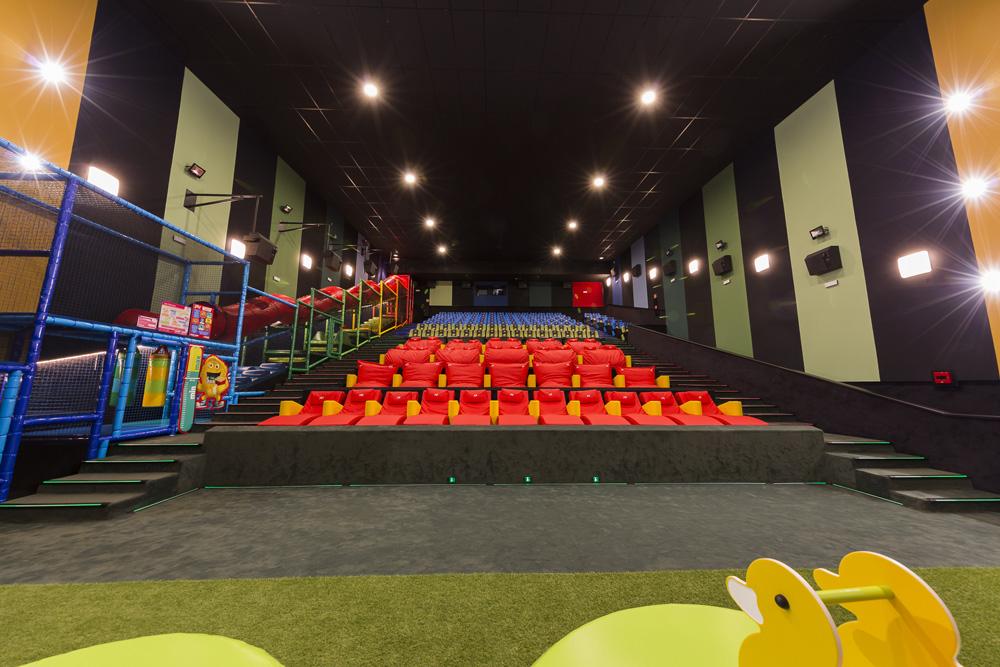 Yelmo junior la primera sala de cine solo para ni os mi for Sala junior islazul