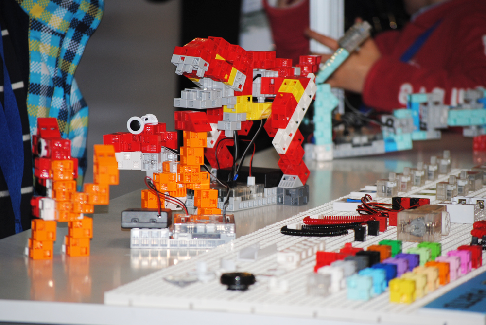 GLOBAL ROBOT EXPO ROBOTICA PROGRAMACION NIÑOS TECNOLOGIA